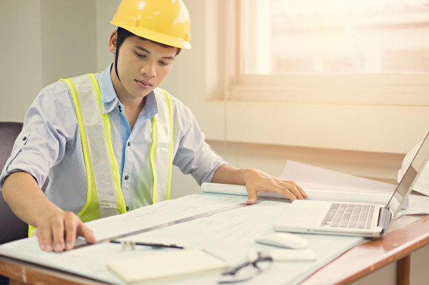 engineer man working with laptop blueprints sketching construction project 28717 200 - Training Autocad 2D & 3D